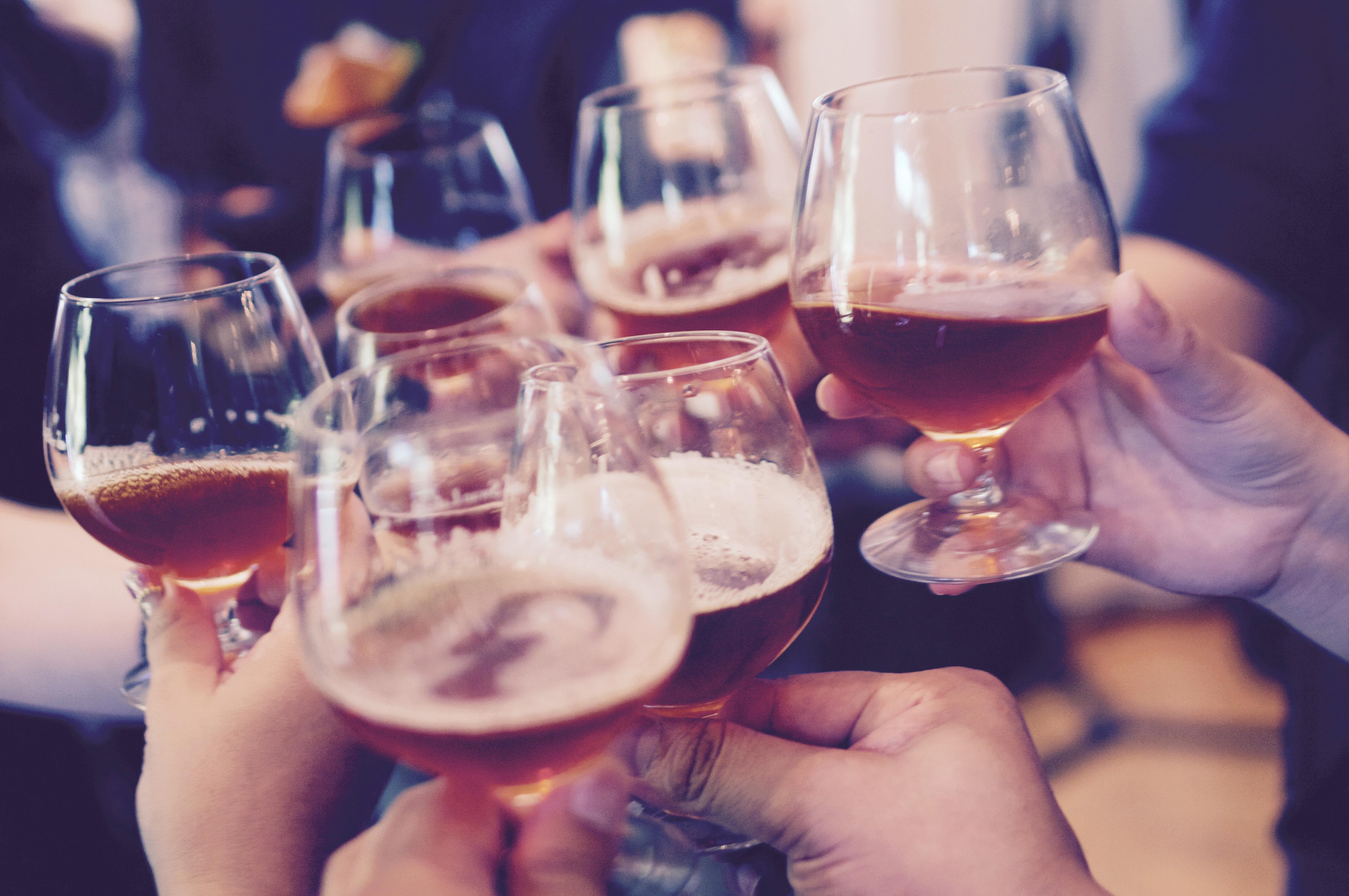 Le Blog Des Paresseuses Comment Amener La Bonne Bouteille De Vin En